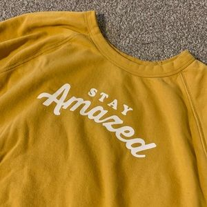 """Yellow """"Stay Amazed"""" crew neck sweatshirt XXL"""